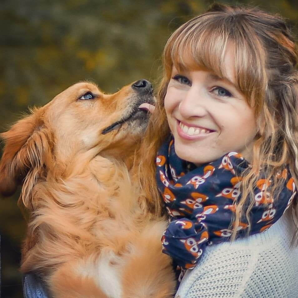 Veterinary Assistant, Pretty, Golden Retriever, Danielle Brown