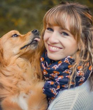 Veterinary Assistant, Pretty, Golden Retriever, Danielle Brown